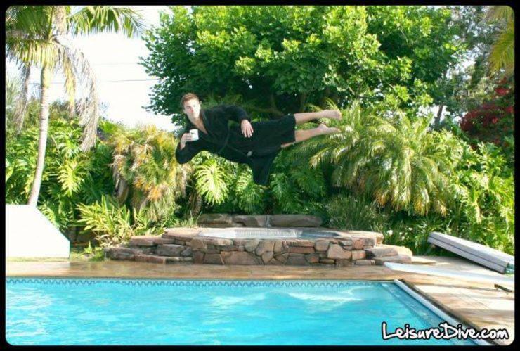 Zabawne zdjęcia przy skokach do basenu 17