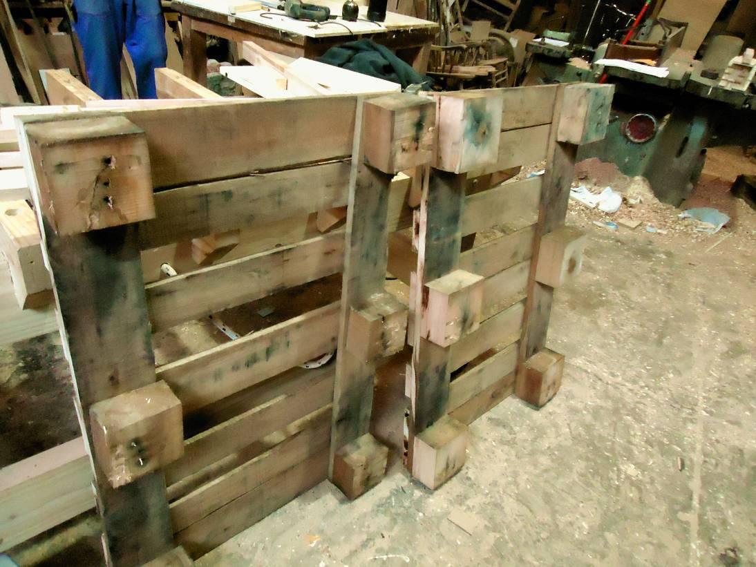 Como hacer una mesa con palets taringa for Como hacer una valla con palets