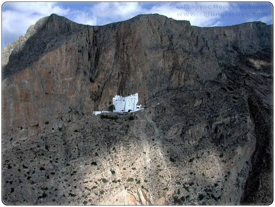 Budowle na skałach 17