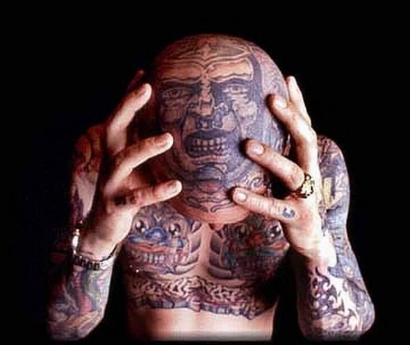 Z serii dziwne tatuaże: oczy dookoła głowy 20