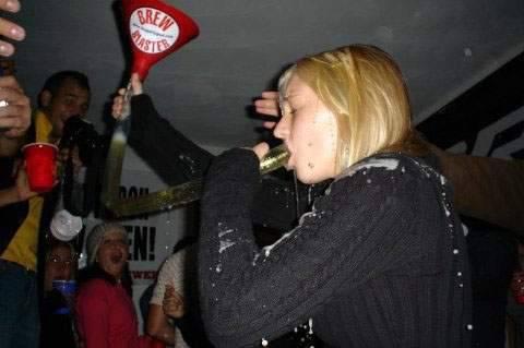 Dziewczyny i Beer Bongo 32