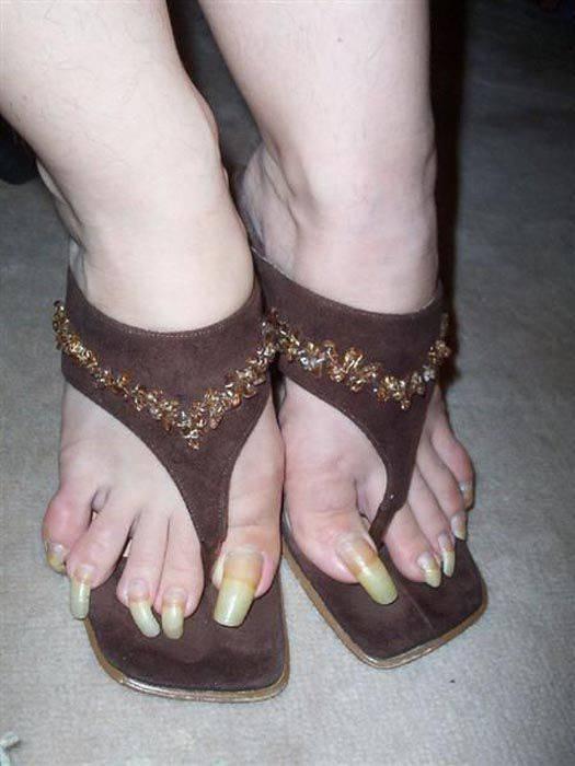 Obrzydliwie długie paznokcie 10