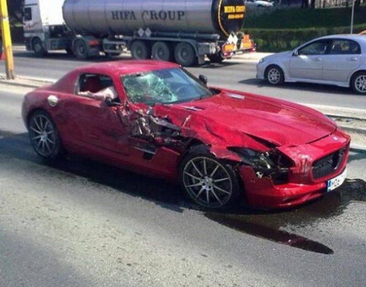 Wypadki najdroższych samochodów 21