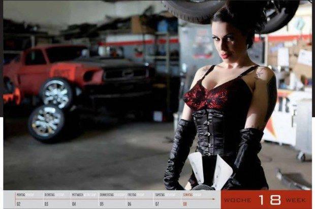 Dziewczyny i legendarne auta USA w jednym kalendarzu :) 10