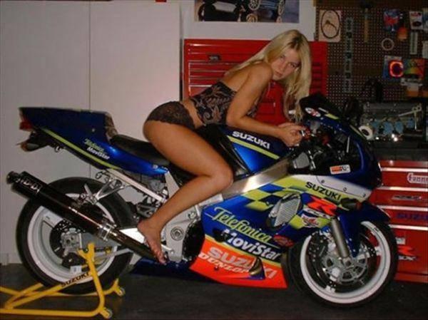 Dziewczyny i motocykle 12