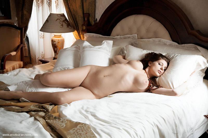 порно фото девушек в постели бесплатно