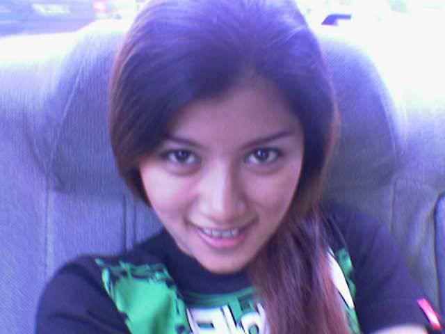 Foto Gadis Bispak Perek Cantik Bule y Suka Ngentot
