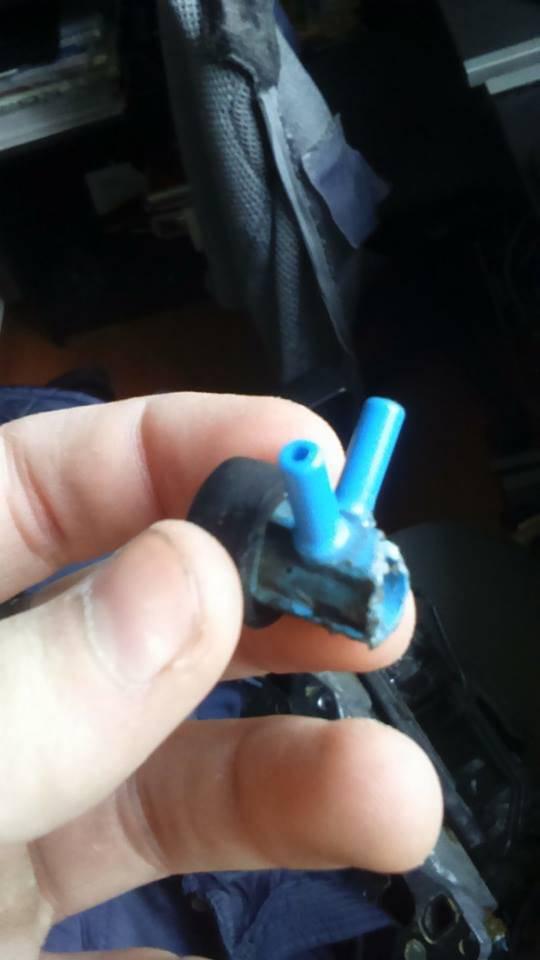 eg3 dual carb capsule bleu sur collecteur admission cass. Black Bedroom Furniture Sets. Home Design Ideas