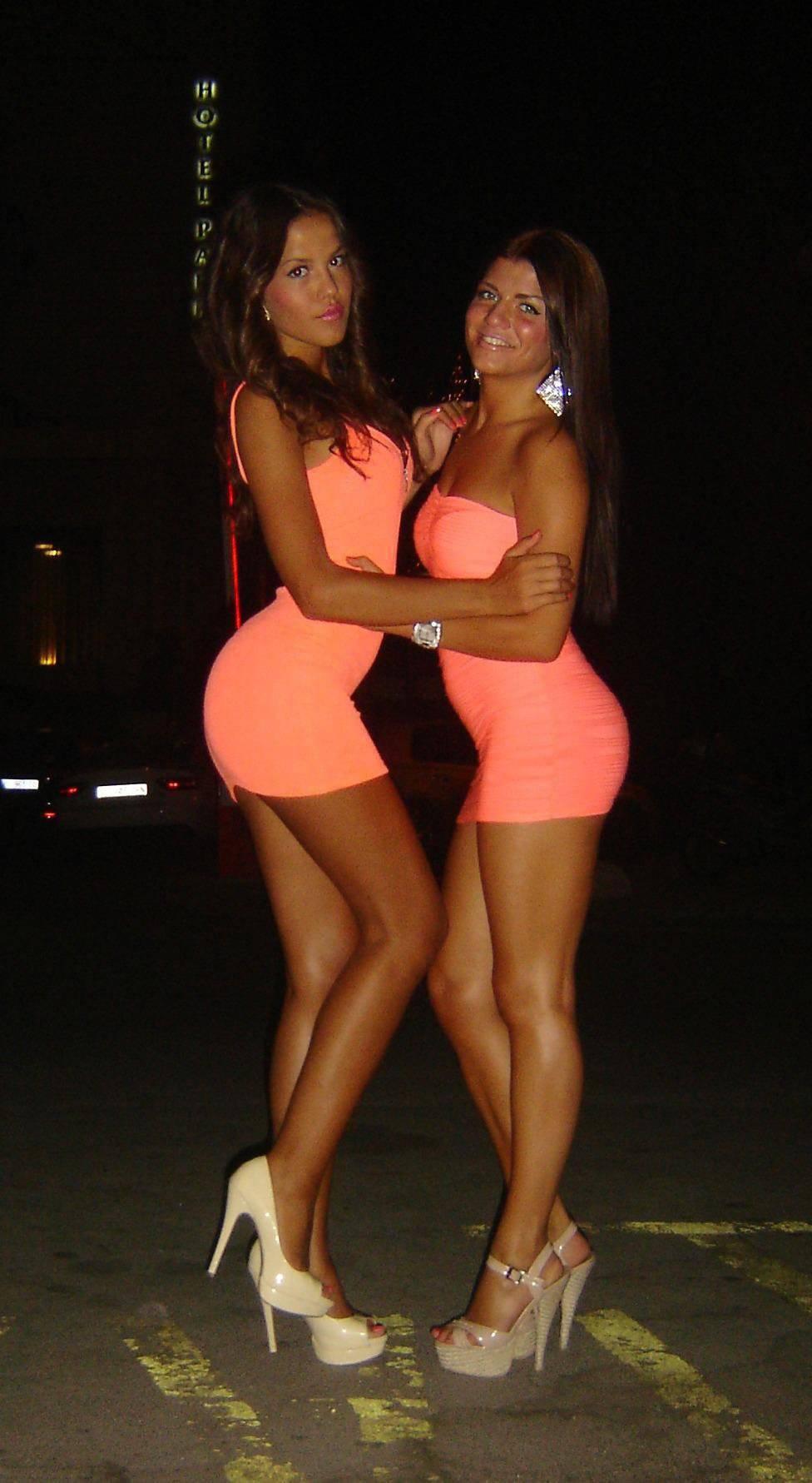 Obcisłe sukienki #32 22