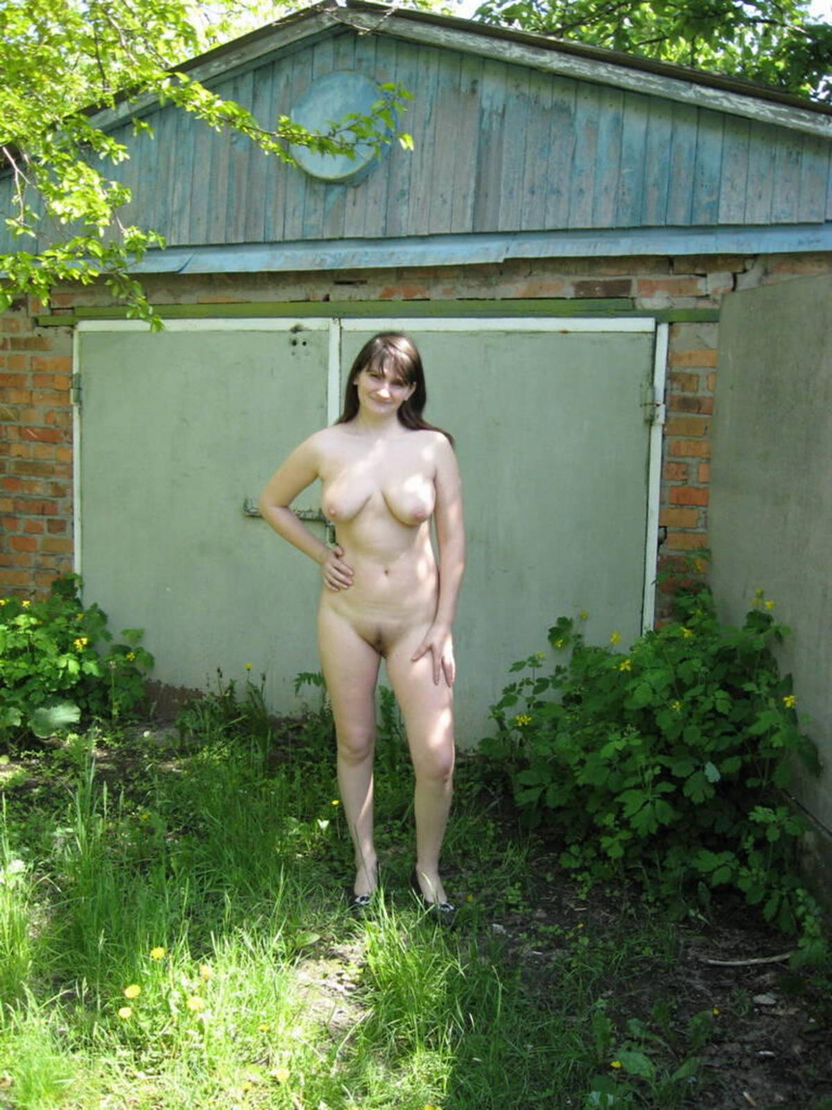 Ню дачное @ 18-porno.ru
