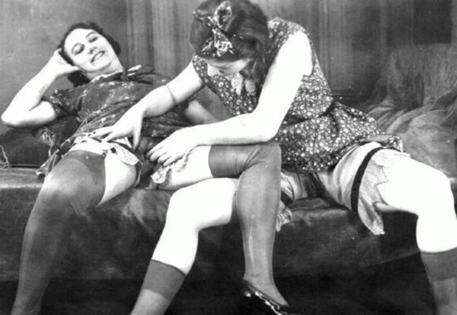 порно инцест мамаши бабушки