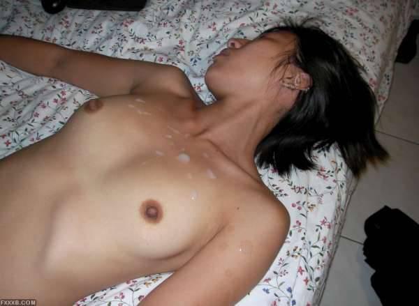 淫亂放蕩的亞洲妹,和鬼佬群交胡搞[35P]