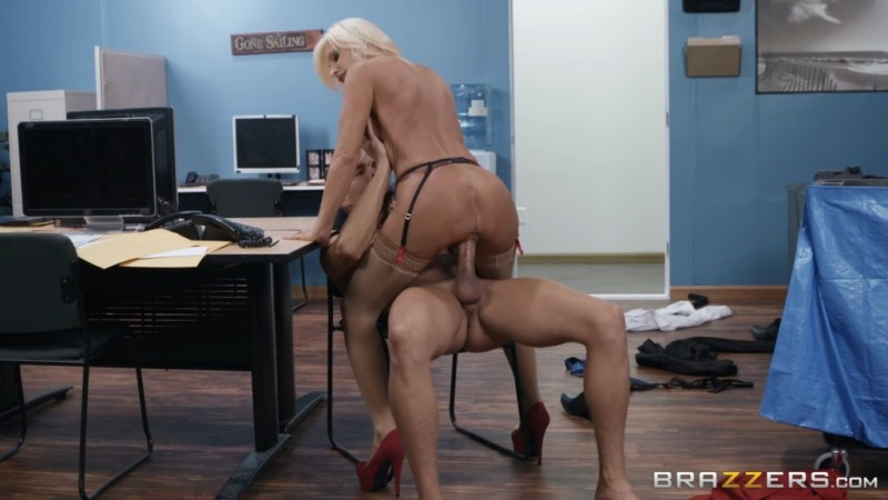 Big Tits At Work - Brittany Andrews - Mixed Message Mailboy 2018-11-07 - 1080p Free Download From pornparadise.org