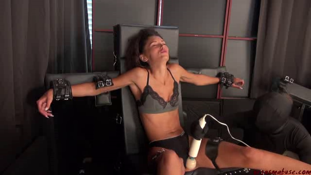 OrgasmAbuse 19 06 28 Ari Parker Gimp On The Loose Again XXX